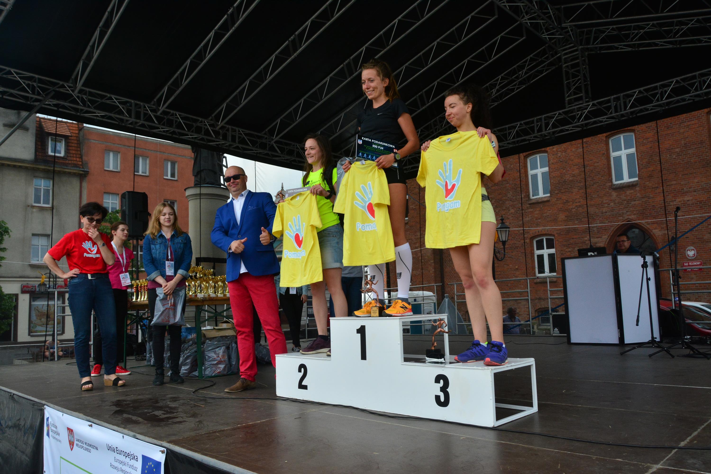 Najlepsze zawodniczki biegu w kategorii Open kobiet - Magdalena Lewandowska(1), Ewa Kaczmarek(2) i Agnieszka Ślebioda (3)
